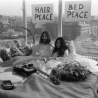 Bed-In_for_Peace,_Amsterdam_1969_-_John_Lennon_&_Yoko_Ono